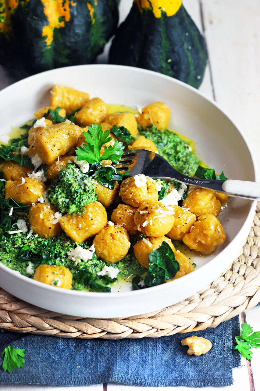 Ricetta Gnocchi Di Zucca Per Celiaci.Gnocchi Di Zucca Senza Glutine Con Pesto Di Cavolo Nero Cucina Naturale