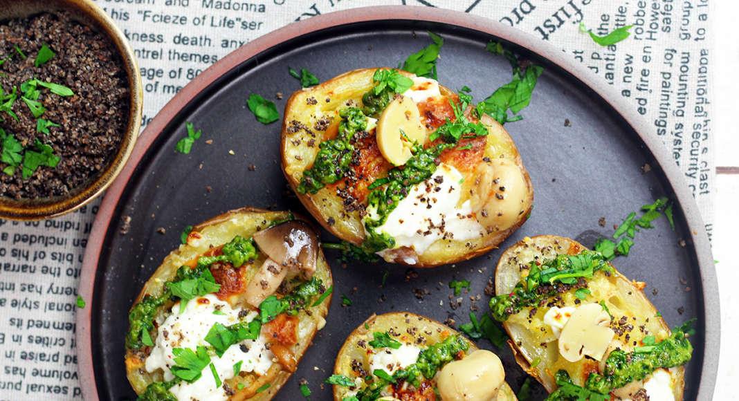 Patate ripiene con salsa verde