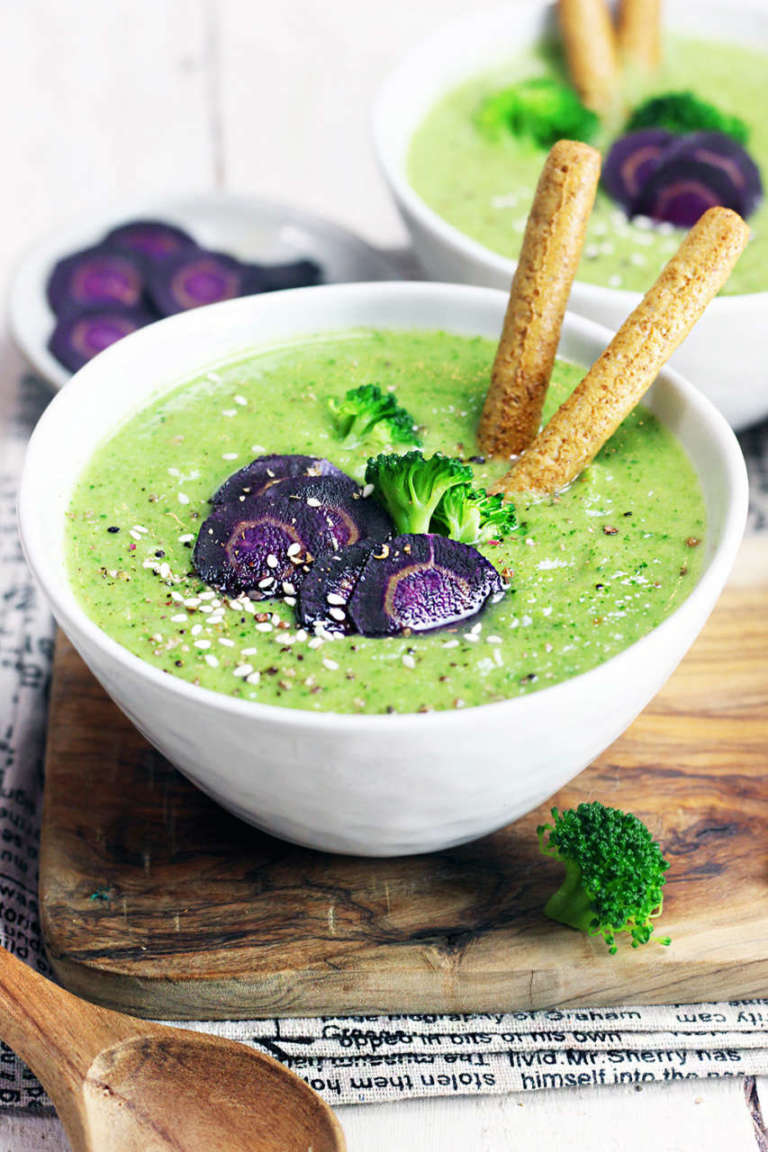Vellutata di broccoli e carote viola