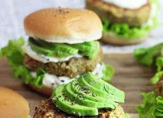 Burger vegan di lenticchie, compatti e senza glutine