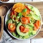 Insalata di cavolini, avocado e mandarino