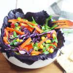 Insalata di cappuccio, rucola,, carote e mais