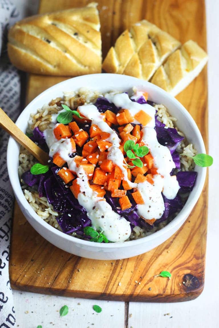 Vegan bowl con cavolo cappuccio