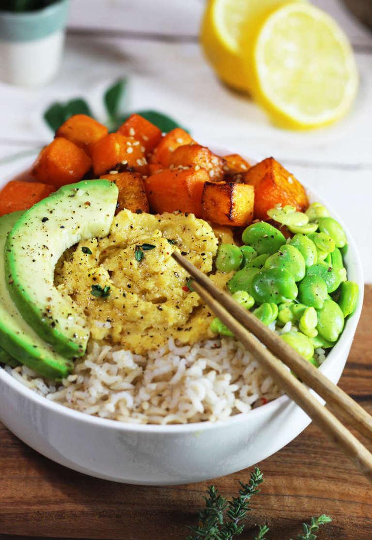 poke vegan con hummus