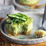 Sformato con gambi di asparagi