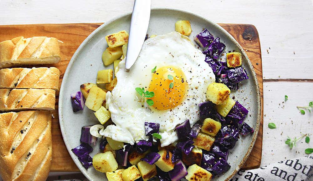 Uovo su cappuccio e patate