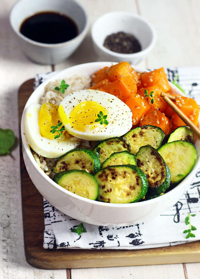 Bowl di carote e zucchine