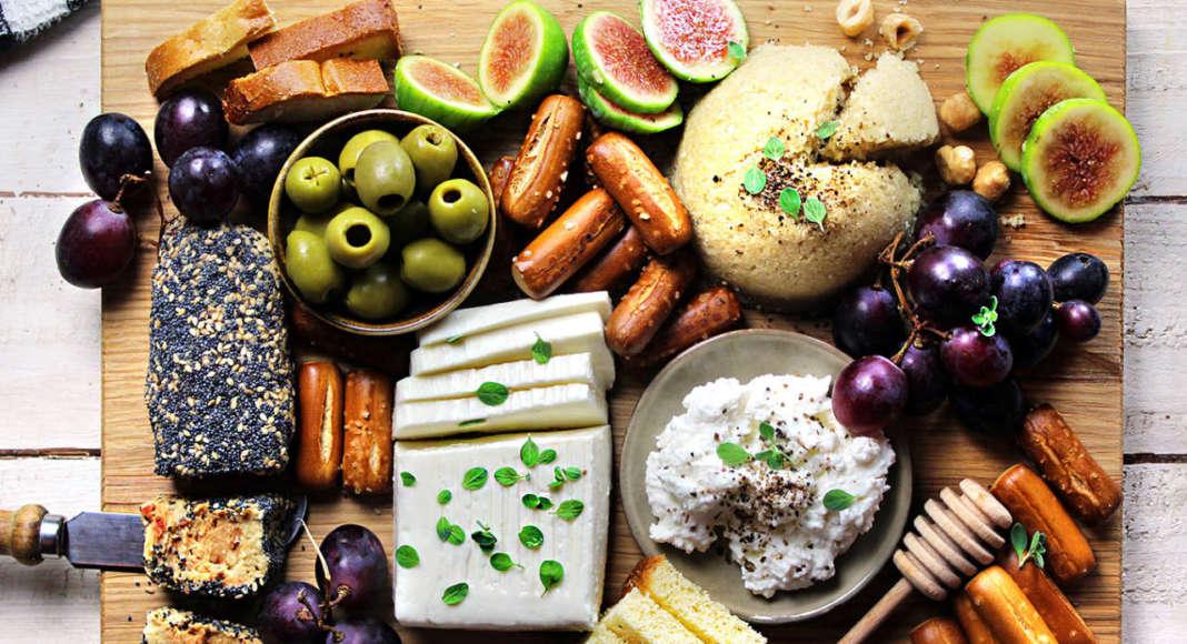 Tagliere di formaggi vegan