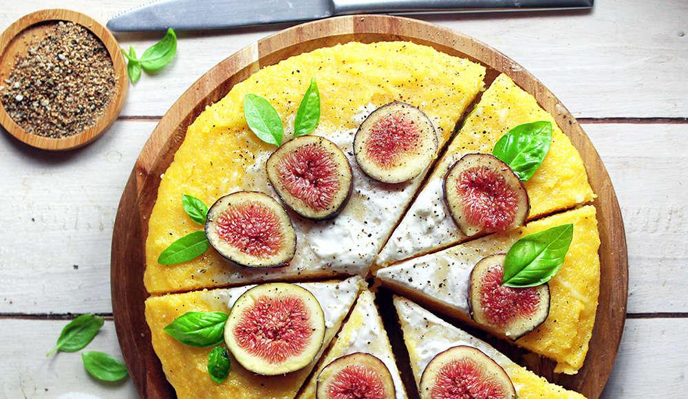 Pizza di polenta, senza glutine