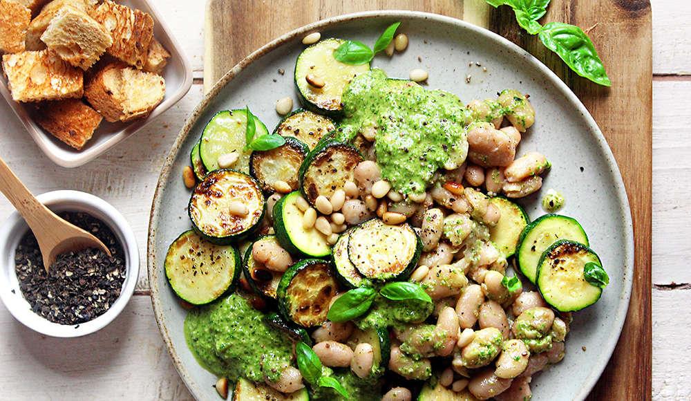 Zucchine e fagioli al pesto