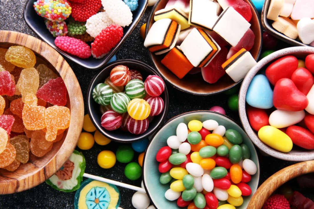 caramelle colorate anche con biossido di titanio