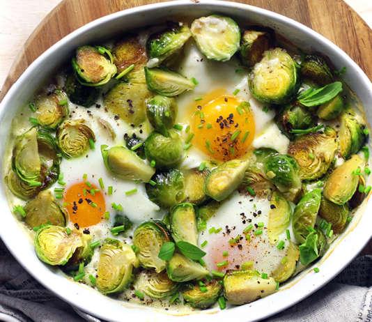 Cavolini di bruxelles, uova e parmigiano