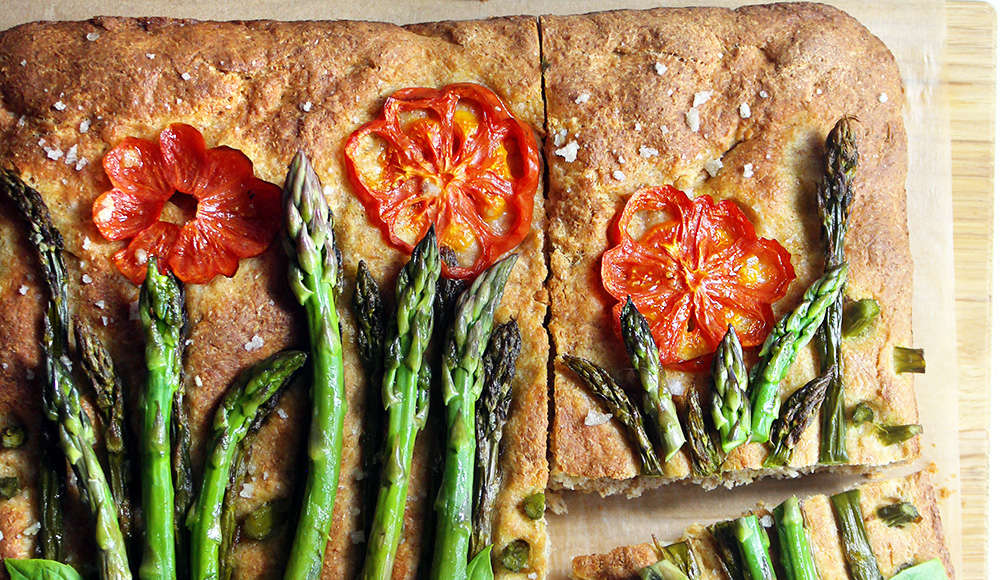 Focaccia integrale con asparagi