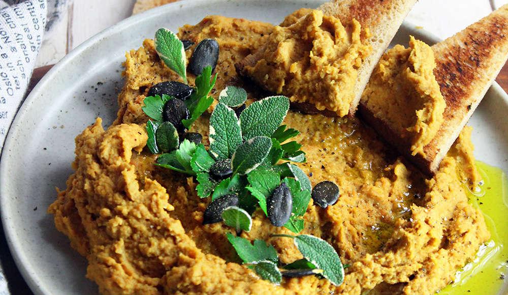 Hummus di lenticchie rosse, carote e noci