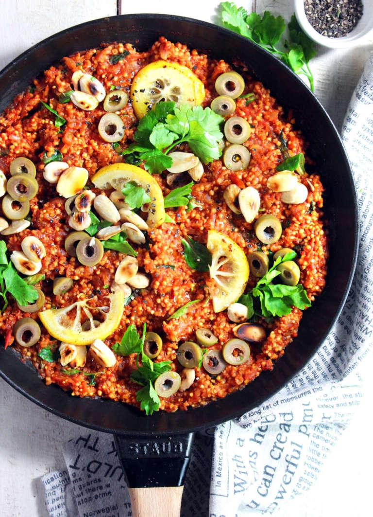 Miglio marocchino con mandorle e olive