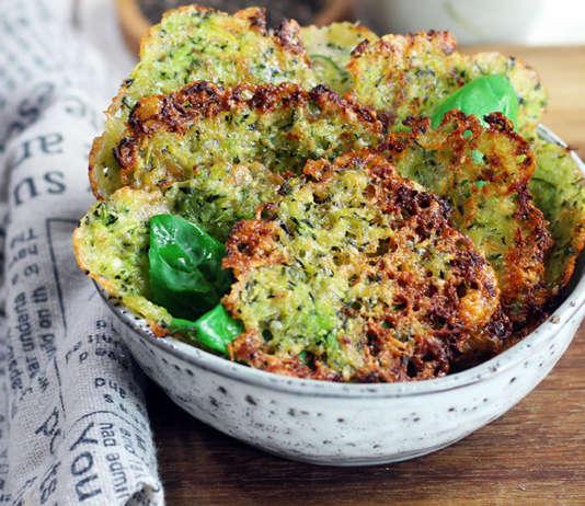 Chips di zucchine e parmigiano