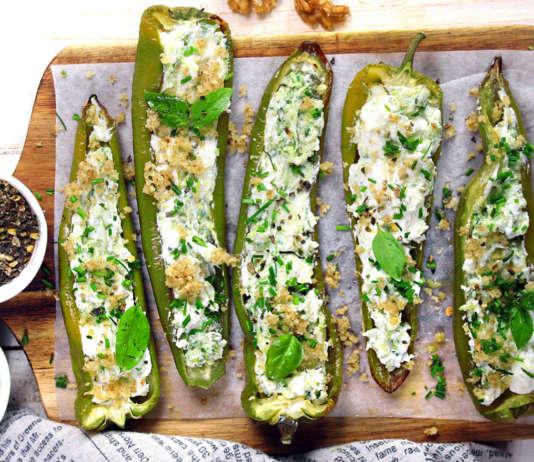 Peperoni verdi ripieni di caprino