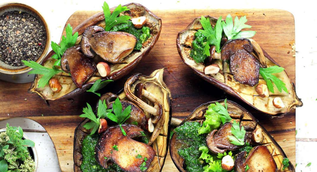 Melanzane con funghi e salsa verde