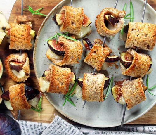 Rotolini di pane, fichi e formaggio
